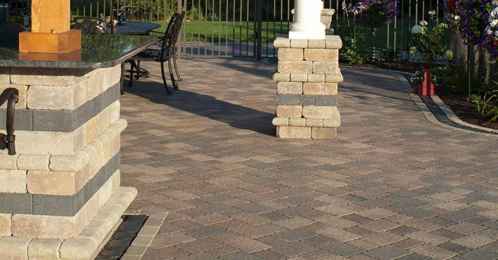 Product: Olde Greenwich Cobble® Color: Sierra