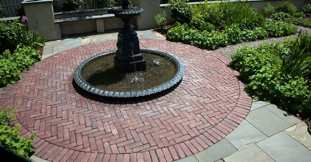 <p>Reminiscent of old european clay pavers this paver is full of highly advanced technological features.</p>