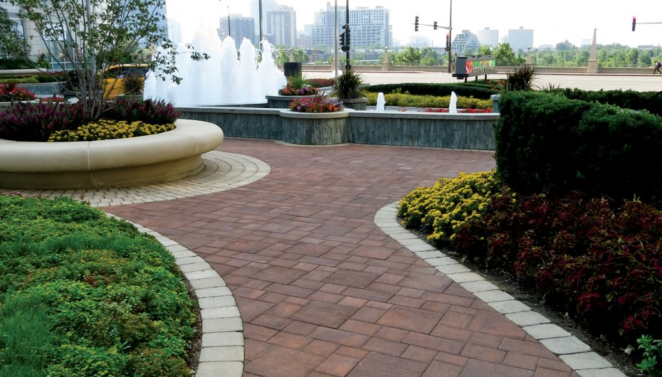 Roosevelt Collection Parkette, Chicago Illinois Cleveland <br> Product: Brussels Block®, Il Campo® Color: Sandstone, Heritage Brown